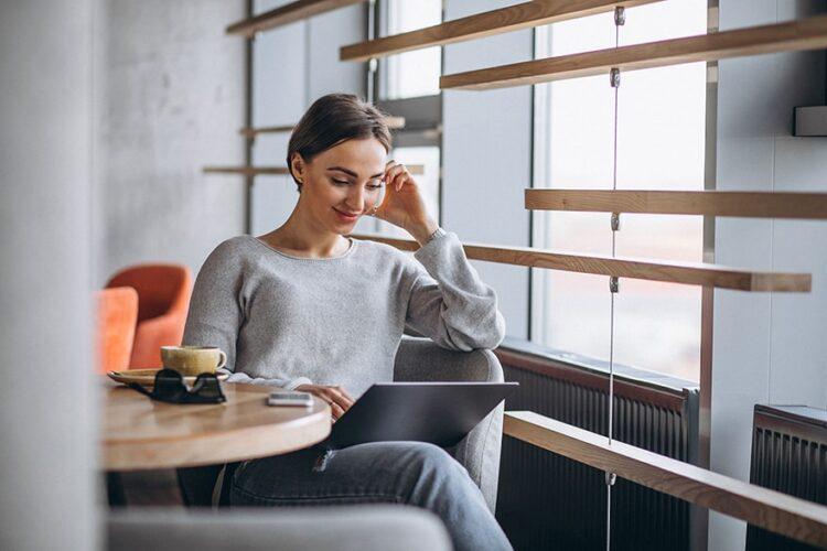 Customer testimonial - femme 12 - for SC Web Services